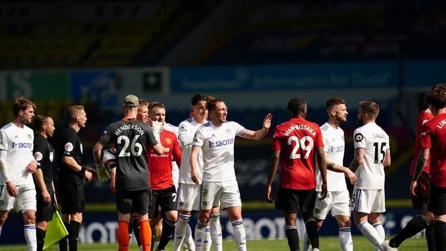 Manchester United fica-se pelo 'nulo' em Leeds