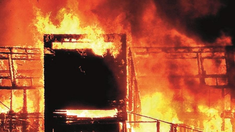 Incêndio consumiu o restaurante