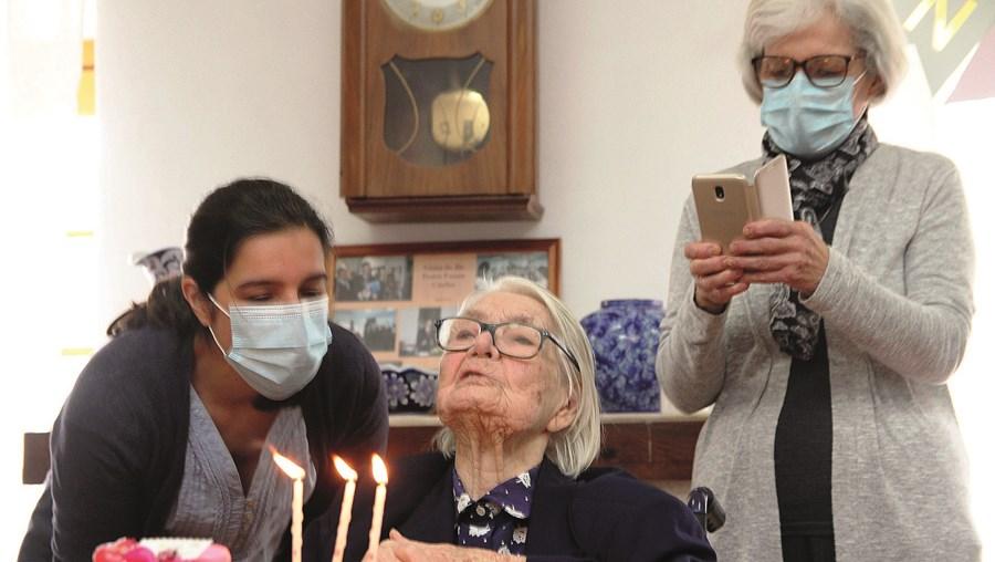 Custódia Maria Inácia contou com a presença de vários familiares no dia em que comemorou os seus 108 anos
