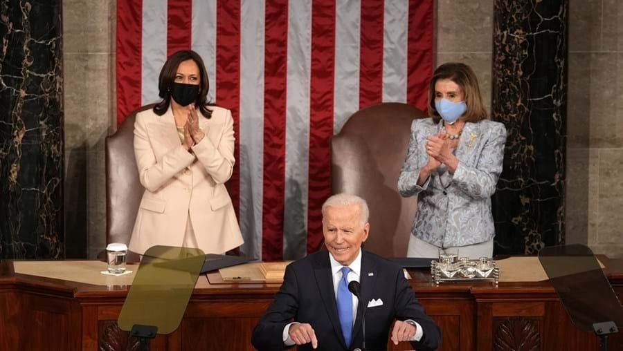 Presidente dos EUA Biden, a vice-presidente Kamala Harris e a presidente da Câmara de Representantes, Nancy Pelosi