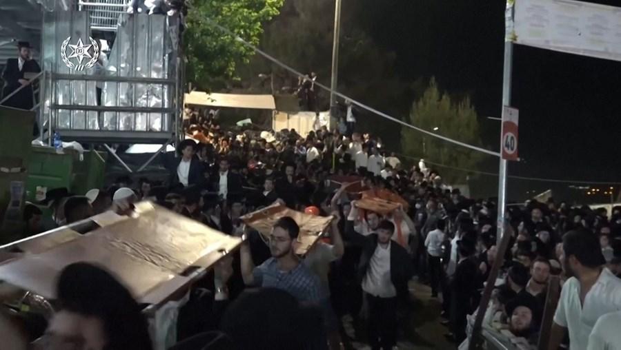 Pelo menos 44 pessoas morrem esmagadas em festival judaico em Israel