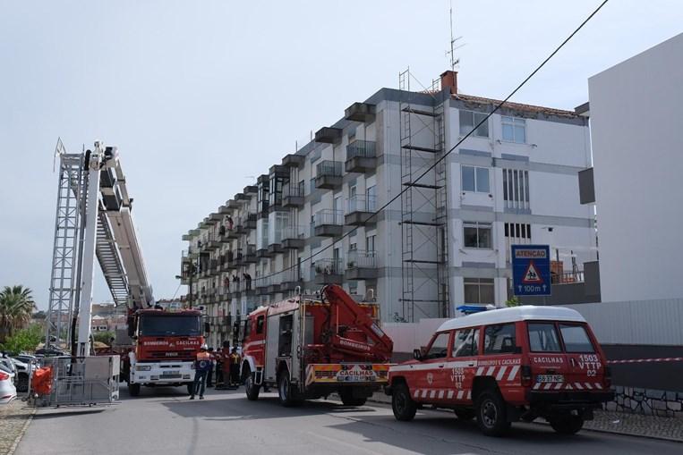 Dois homens morrem em queda de andaime em Almada