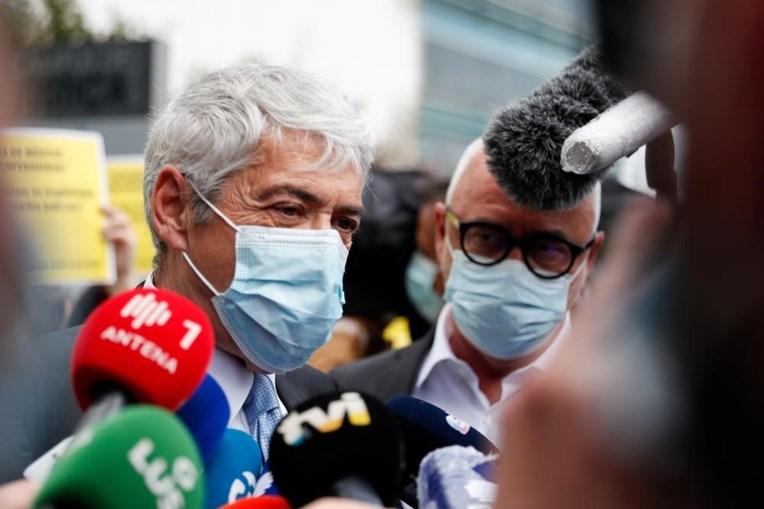 José Sócrates na chegada ao Campus de Justiça em Lisboa antes de saber se vai a julgamento