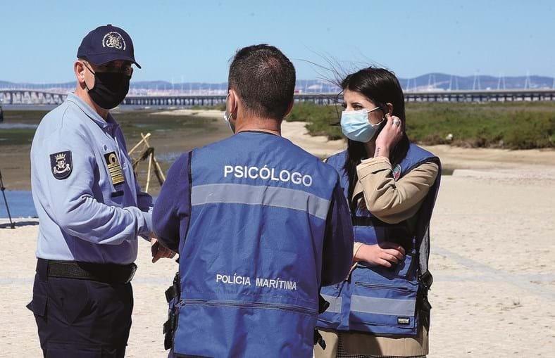 Psicólogos em serviço durante desaparecimento de mariscador