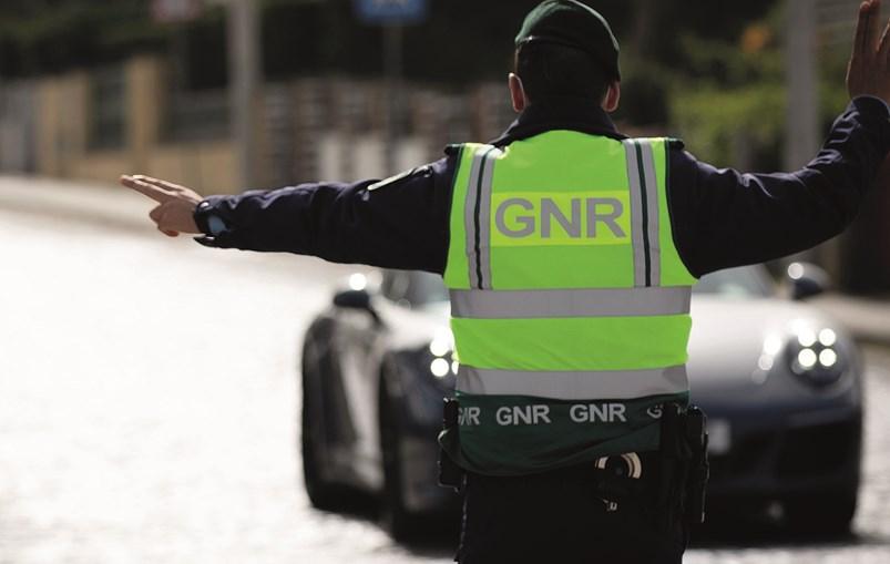 Página em rede social explicava a condutores quais as coimas a que se sujeitam por cada infração de trânsito