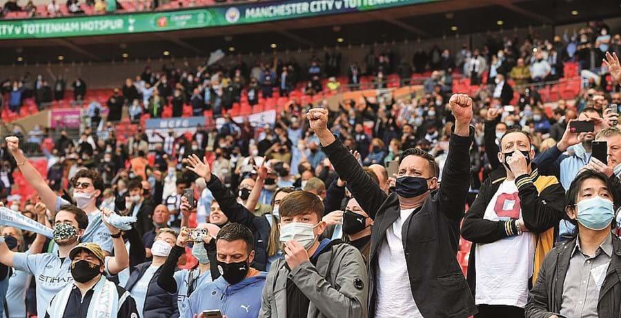 Oito mil pessoas assistiram ao jogo em Wembley