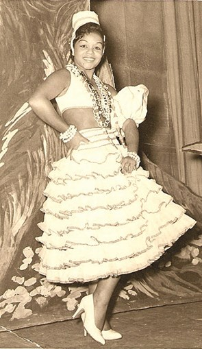 Cantora veio em 1958 para a peça 'Fogo no Pandeiro'