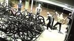 Dupla de assaltantes invade loja na Feira e leva 30 mil euros em bicicletas