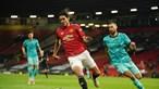 Bruno Fernandes ainda adiantou United, mas Jota abriu caminho para vitória do Liverpool