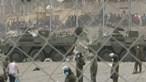 Militares espanhóis tomam praias em Ceuta após invasão de migrantes. Veja em direto