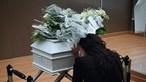 Angélica Jordão em lágrimas no funeral da filha bebé: 'Sinto tanto a tua falta, meu amor'