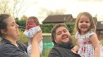 Bebé 'enorme' precisou de dois médicos para nascer