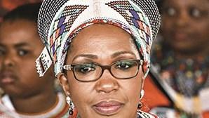 Reino Zulu presta última homenagem a rainha regente