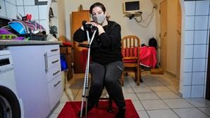 Mulher fica incapaz de andar após operação às varizes