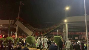 Desabamento de viaduto do metro no México faz pelo menos 23 mortos