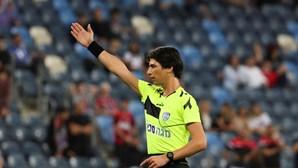Sapir Berman, a primeira transgénero a apitar um jogo da Primeira Liga de futebol