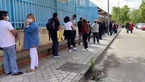 Longas filas para votar nas eleições regionais de Madrid