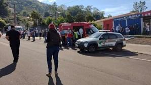 Adolescente invade escola no Brasil e mata três crianças e professora à facada