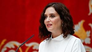 Partido Popular de Ayuso vence eleições em Madrid mas precisa do Vox para governar