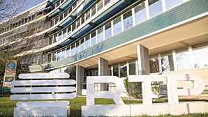 Polémica na RTP: Parlamento ignora gastos de 86 mil euros