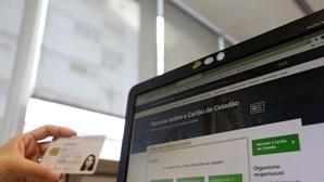 Pessoas com mais de 25 anos podem renovar Cartão de Cidadão a partir de casa