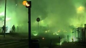 Adeptos do Sporting em confrontos com a PSP durante festejos em Lisboa
