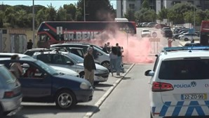 Benfica abandona centro de treinos do Seixal rumo ao Estádio da Luz