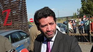 """André Ventura diz que imigração islâmica """"é um perigo para Portugal"""" e ouve protestos à esquerda"""