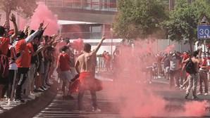 Centenas em festa no estádio da Luz em Lisboa