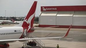 Austrália pode manter fronteiras fechadas para turistas até ao início de 2022