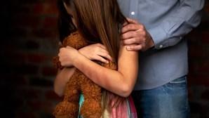 Viola e infeta menina com doença sexual em Lisboa