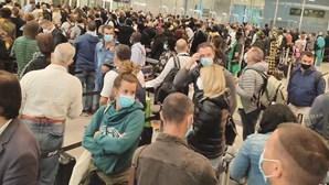Greve do SEF provoca caos nos aeroportos de Lisboa e Porto