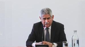 """Vieira diz que quem assinou contrato de venda do Novo Banco à LoneStar """"devia ser enforcado"""""""