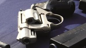 Expulso de café em Almada tenta matar oito pessoas a tiro