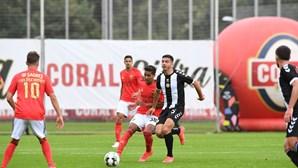 Benfica consegue reviravolta na Madeira e continua na luta pelo segundo lugar