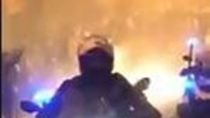 Polícia atingida por garrafas nas imediações do Estádio de Alvalade