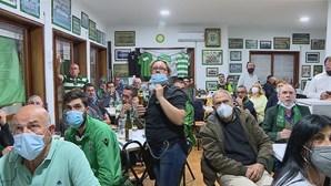 Adeptos assistiram ao jogo da conquista do campeonato no Núcleo do Sporting em Espinho