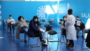 Quem recusar segunda dose da vacina da Astrazeneca tem de esperar solução