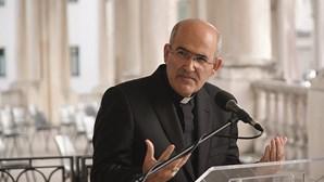 Cardeal Tolentino diz que a Igreja tem de olhar para as pessoas