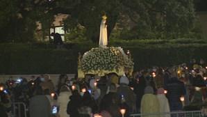 Desilusão e resignação entre peregrinos impedidos de entrar no Santuário de Fátima