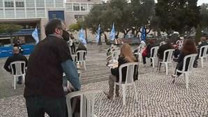Professores protestam junto ao Centro Cultural de Belém em Lisboa