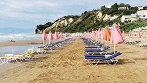 Grécia levanta limitações de movimento e reabre o turismo após seis meses de confinamento