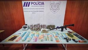 PSP do Porto desmantela rede de traficantes que detinha armamento militar