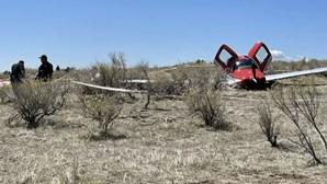 Dois aviões colidem em pleno voo nos EUA