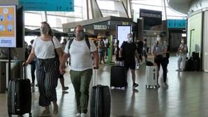 """Algarve ganha ânimo com """"invasão"""" de turistas ingleses"""
