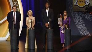 Cerimónia emotiva assinala entrada de Kobe Bryant no 'Hall of Fame' do basquetebol