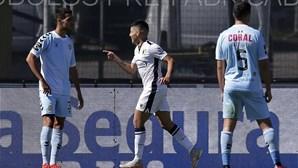 Nacional desce à II Liga ao perder em Famalicão