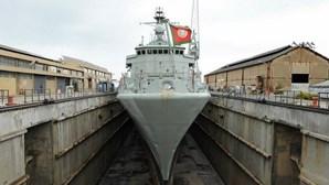 Trabalhadores do Arsenal do Alfeite acusam Governo de travar desenvolvimento do estaleiro naval