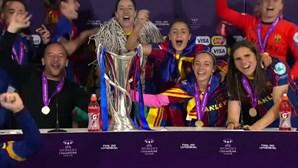 """Jogadoras do Barcelona """"invadem"""" conferência de imprensa após conquista da Liga dos Campeões Feminina"""