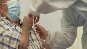 Peritos alemães alertam para que seja necessário uma terceira dose da vacina Covid